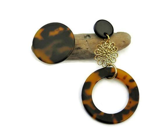 a2aa2aa758e0e3 Asymmetrical tortoise shell earrings Mismatched Clip on earrings  #unedemilune #earrings #ootd #cliponearrings