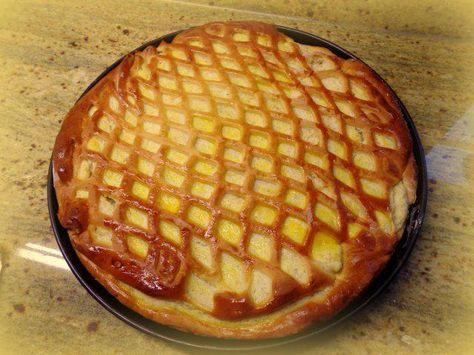 Das perfekte Hefeteig-Grieß-Tarte-Rezept mit Bild und einfacher Schritt-für-Schritt-Anleitung: Margarine und Milch leicht erwärmen. Das Mehl in…