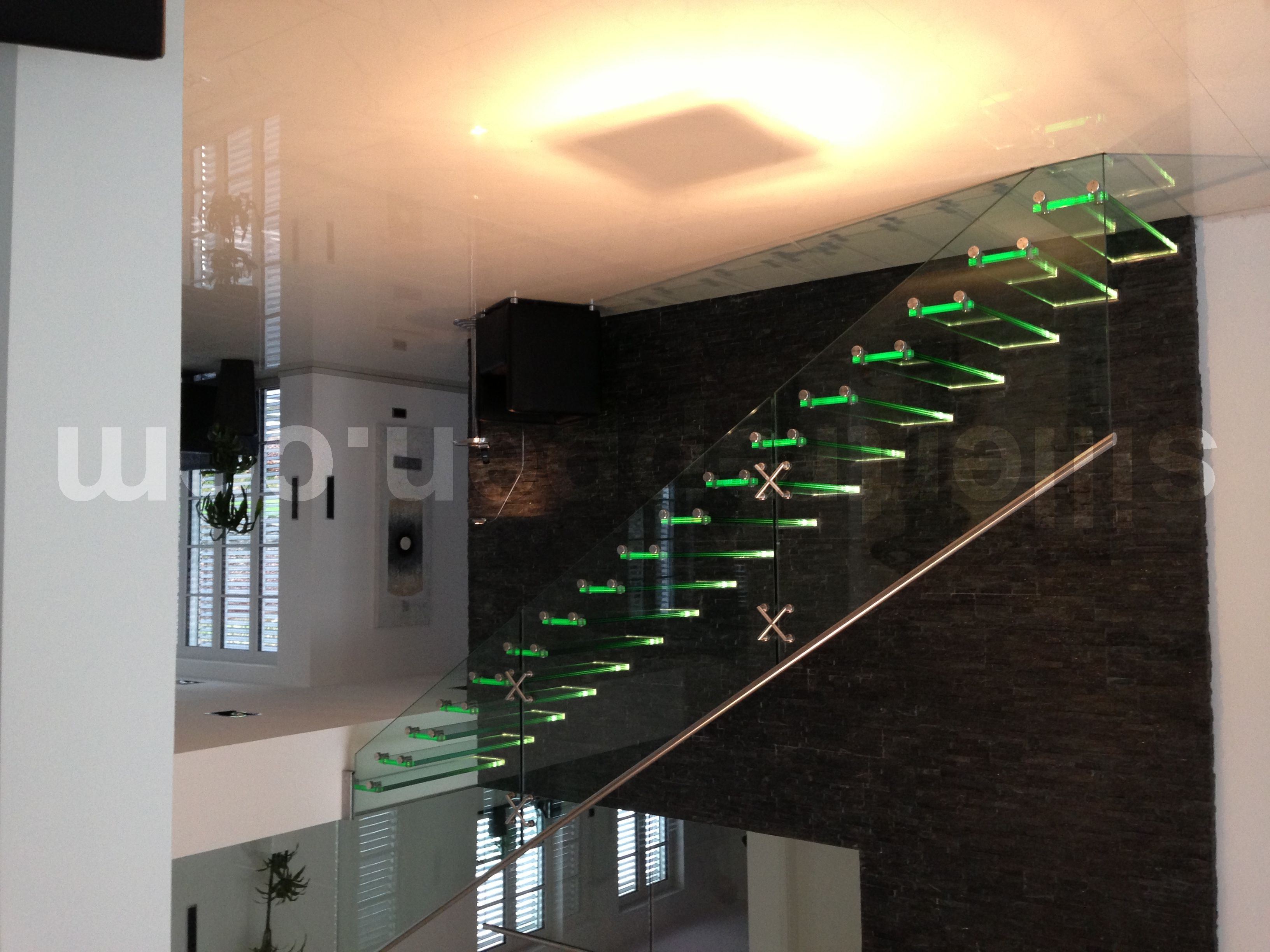 Best All Glass Staircase With Led Illuminated Treads Http Www 640 x 480