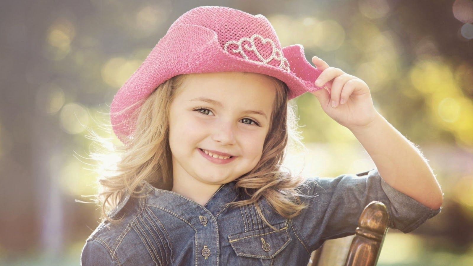 Hello Friends! For You and Your Friends | Cute baby girl wallpaper, Baby  girl wallpaper, Cute baby girl pictures