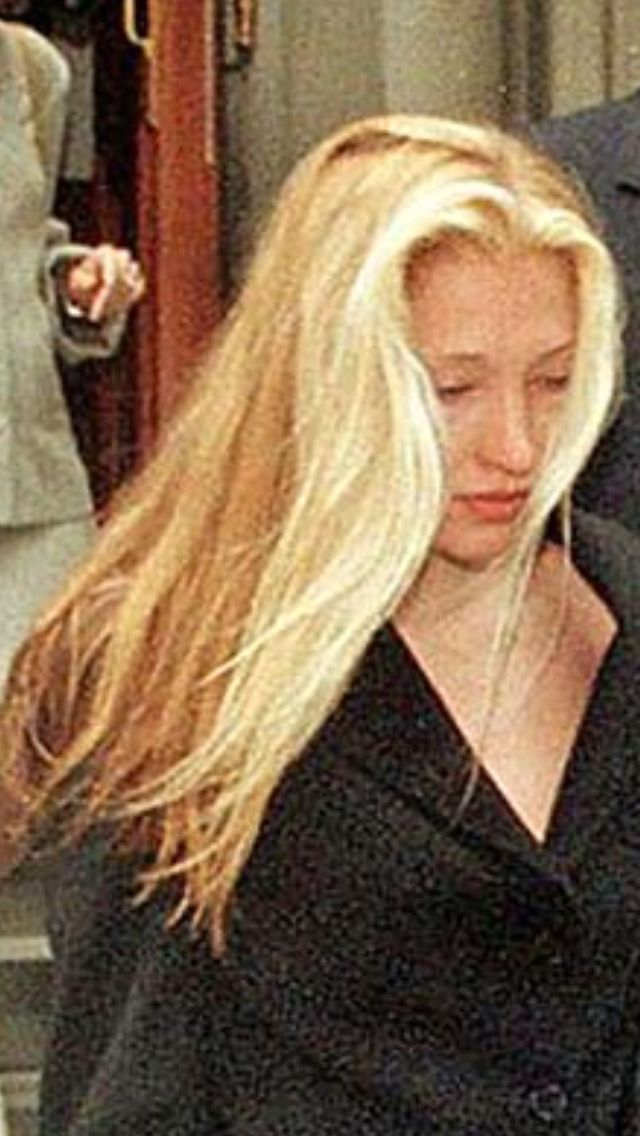 carolyn bessette kennedy   Ooh, that hair  ♡   accessories