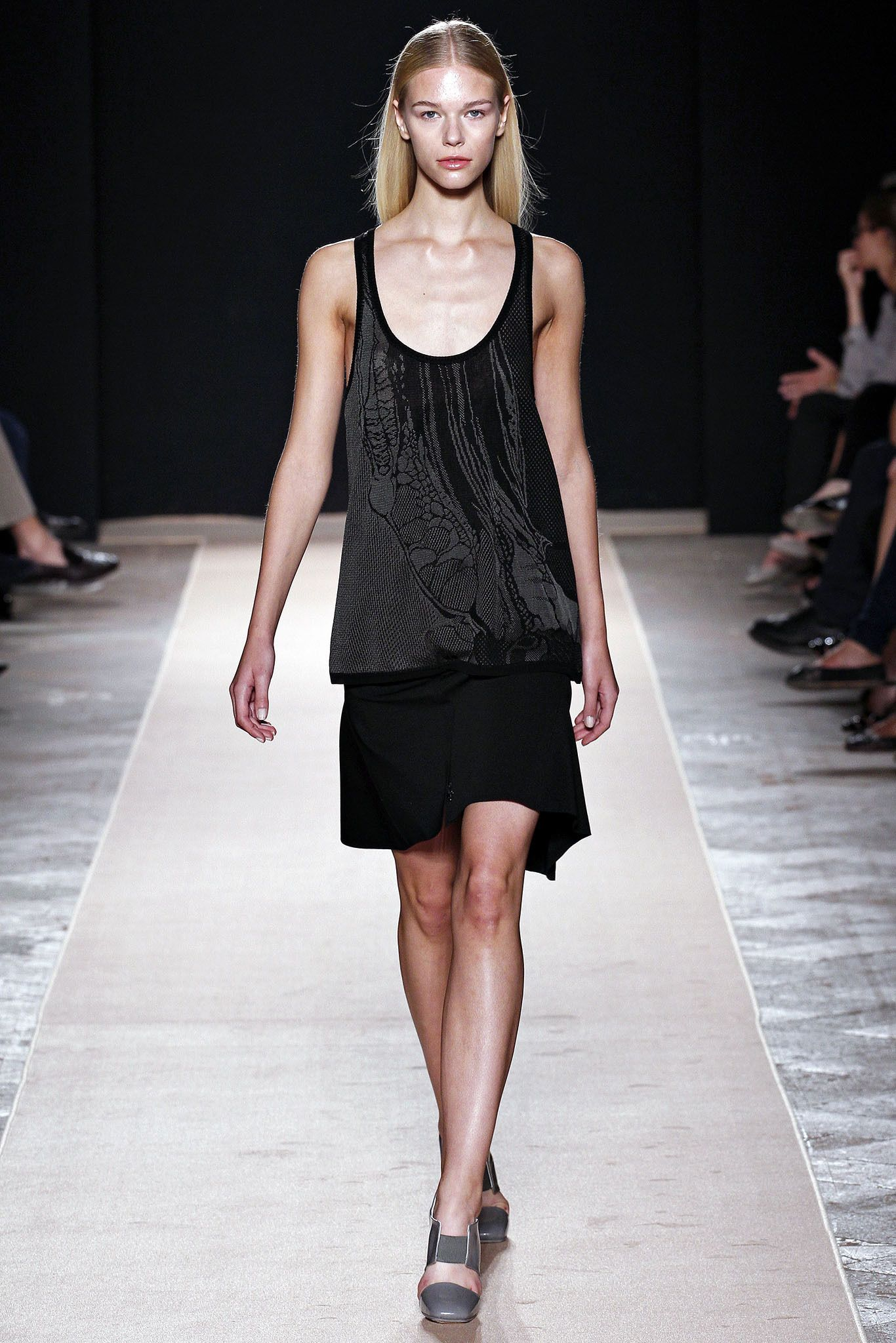 Marco de Vincenzo Spring 2013 Ready-to-Wear Collection Slideshow on Style.com