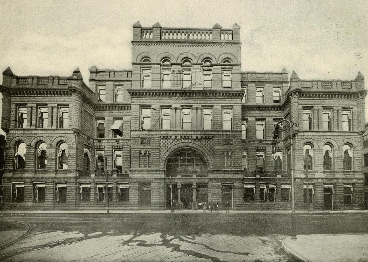 Hamilton County Courthouse The Hamilton County Courthouse Shown In This Photograph Was Built In 1887 It Replace Cincinnati Ohio Cincinnati Hamilton County