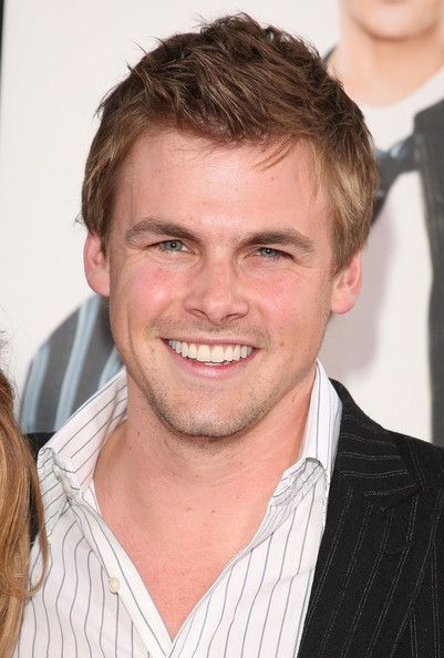 Tommy Dewey  - 2018 Light brown hair & chic hair style.