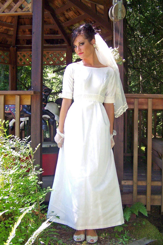 c6143bd66dda CLEARANCE-Vintage 1960s Petite Simple Elegant Off white Wedding Dress-Empire  Bustline. $85.00, via Etsy.
