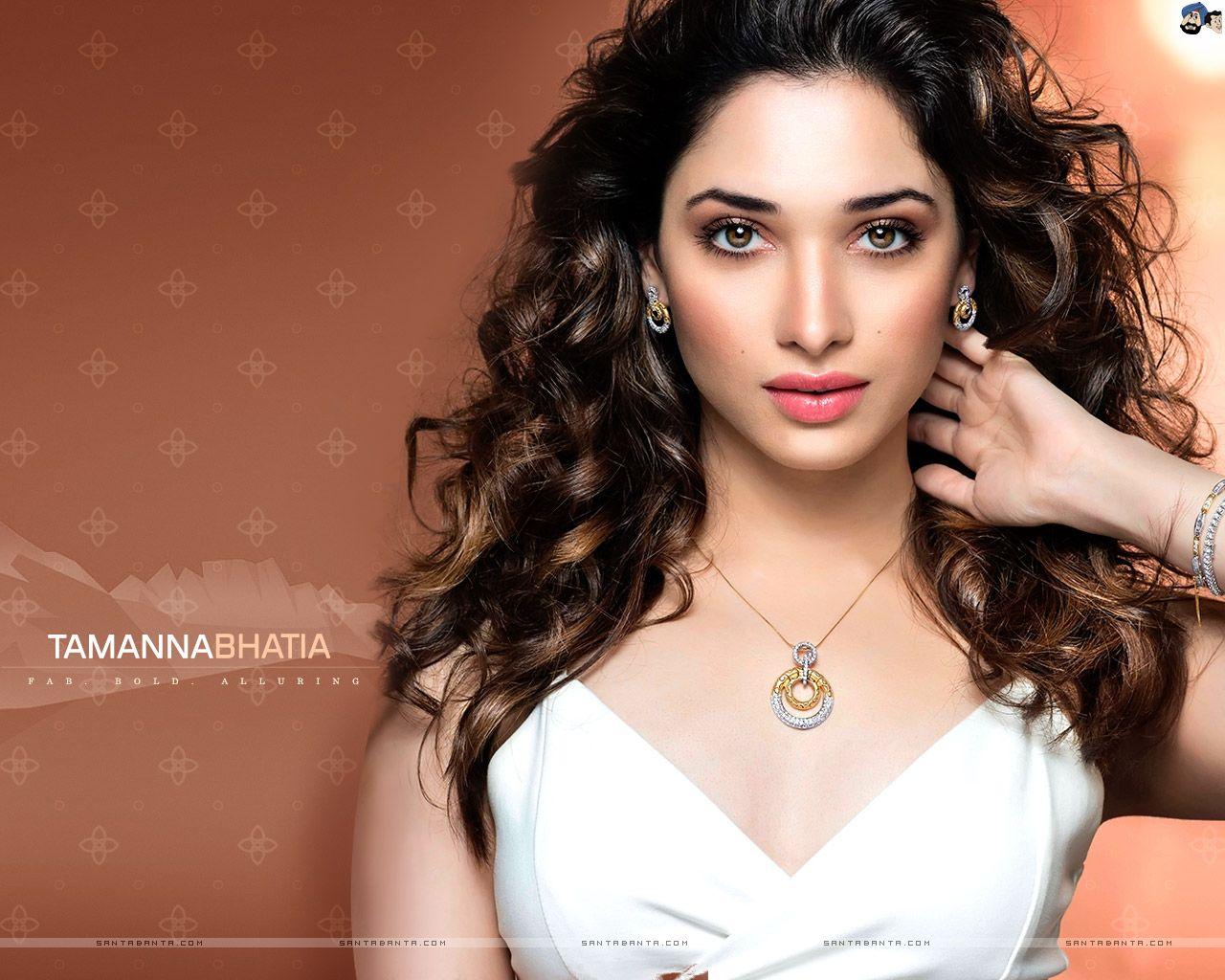Tamanna Bhatia Hd Wallpapers For Desktop: Tamanna Bhatia HD Wallpaper