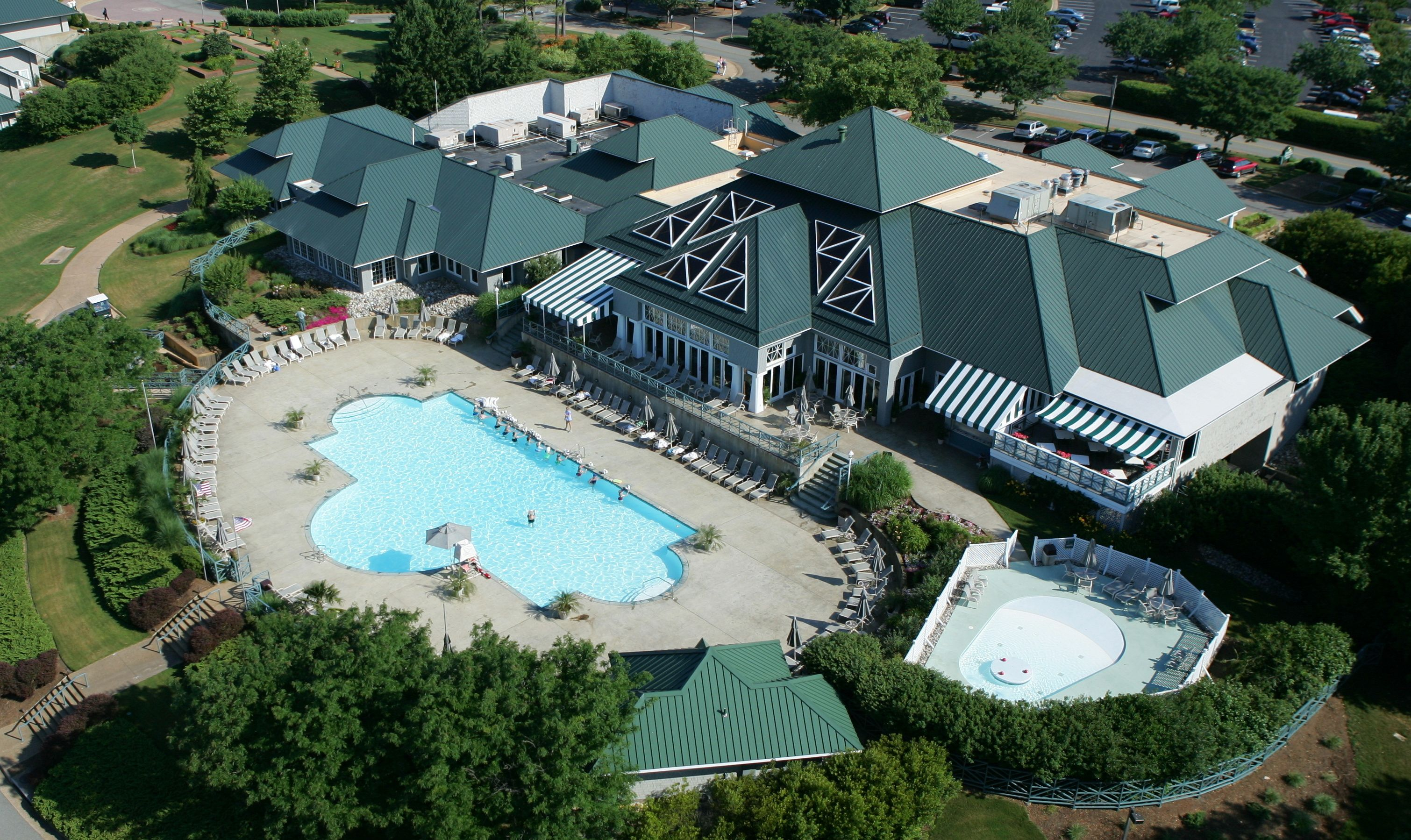 The Kingsmill Sports Club  Weekend getaways from dc