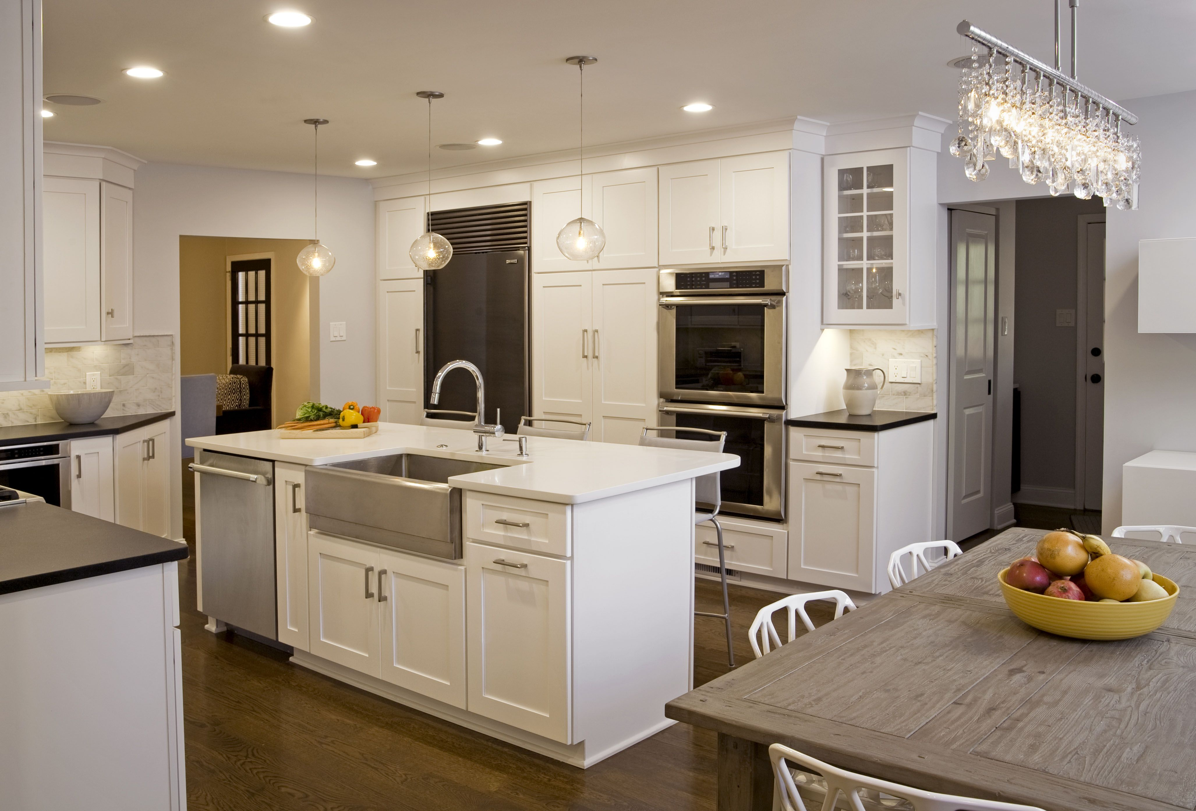 This beautiful transitional kitchen in Lafayette Hill PA features