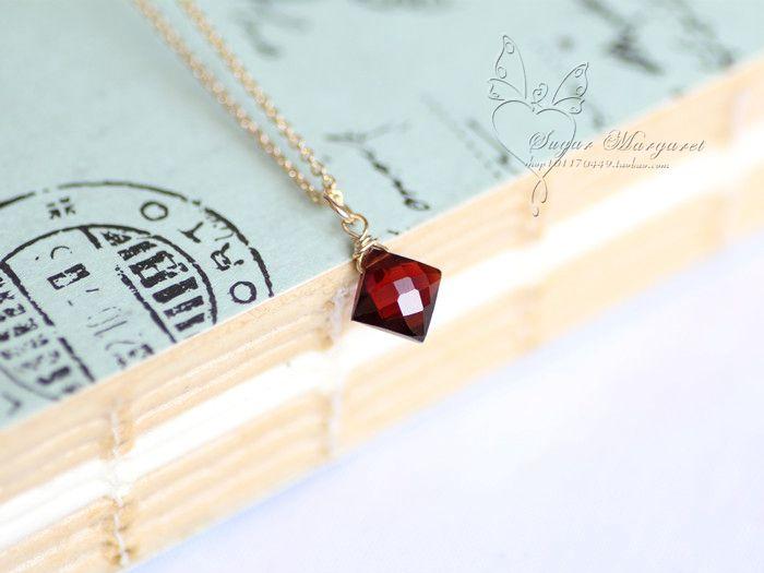 Hưng Ling. Đá quý tự nhiên garnet đỏ tía cắt kim cương 14K gói ossicular vàng chuỗi vòng cổ / bông tai - Trạm toàn cầu Taobao