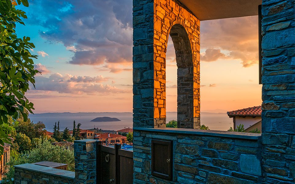 Located only about one hour's drive from Thessaloniki, Halkidiki offers visitors a great wealth of villages, towns, mountains and beaches to visit.