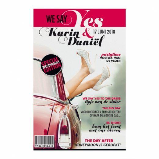 Trouwkaart Moderne trouwkaart in magazine stijl met jullie namen op de cover