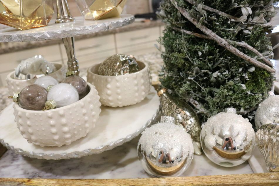 Styling Small Spaces for Christmas christmas decorations christmas