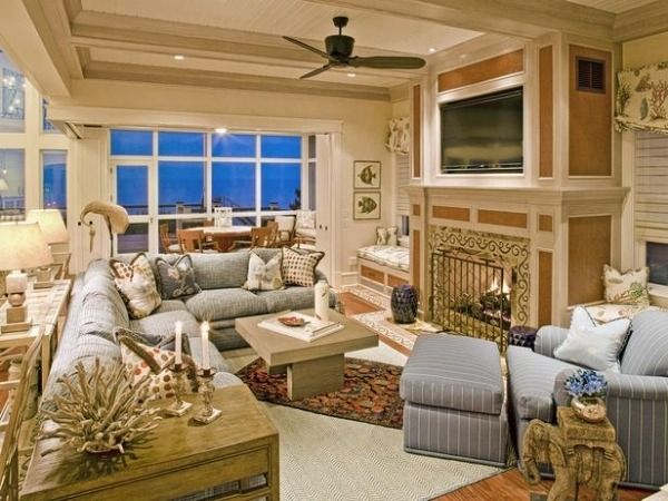 landhaus maritimes wohnzimmer koralle treibholz pastellblau susan