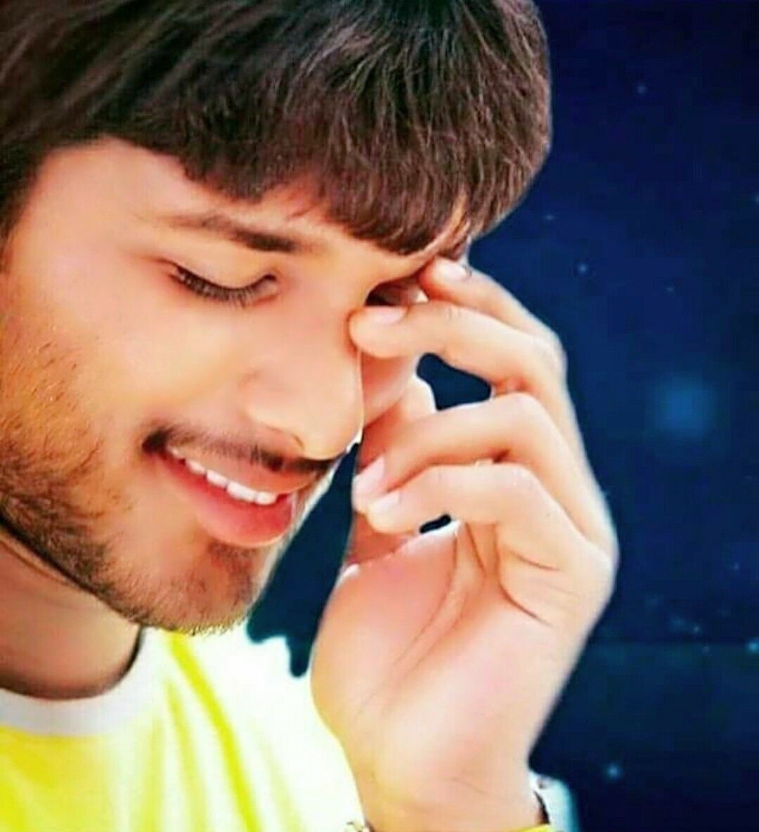 Pin By Ravi Sankar Reddy Kathula On Actors Actor Picture Galaxy Pictures Allu Arjun Wallpapers