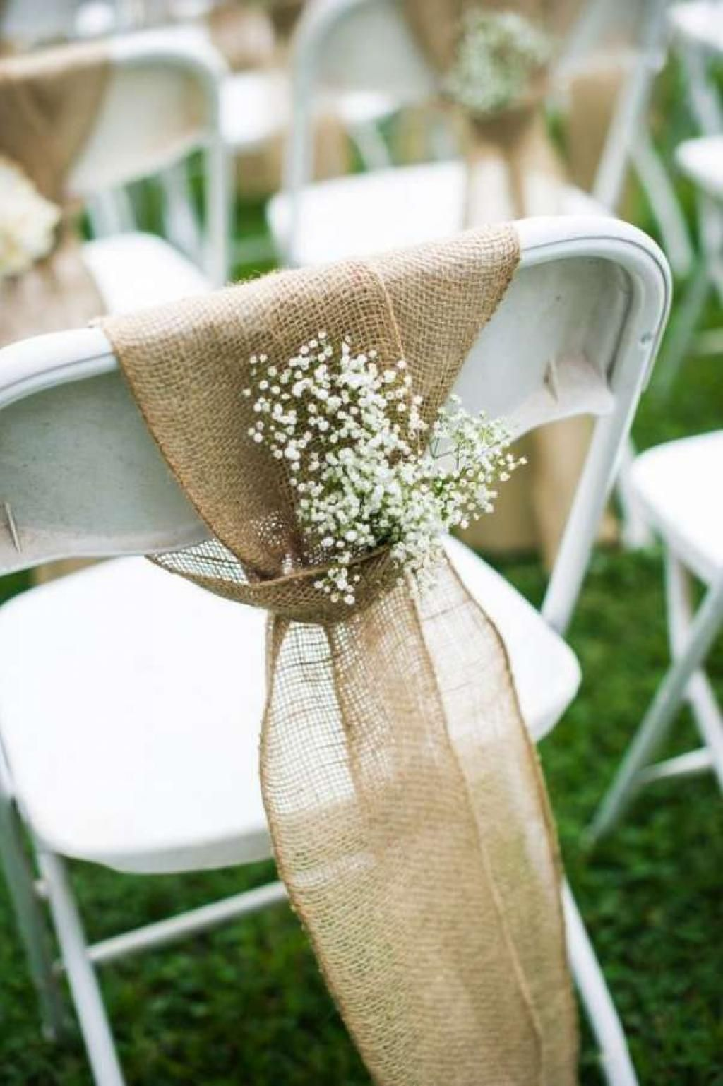 Take a look at these 14 beautiful rustic wedding decorations you can make yourself…