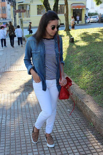 Nanda Pezzi - Mix de estampas + camisa jeans + calça branca af8b39efd25b2