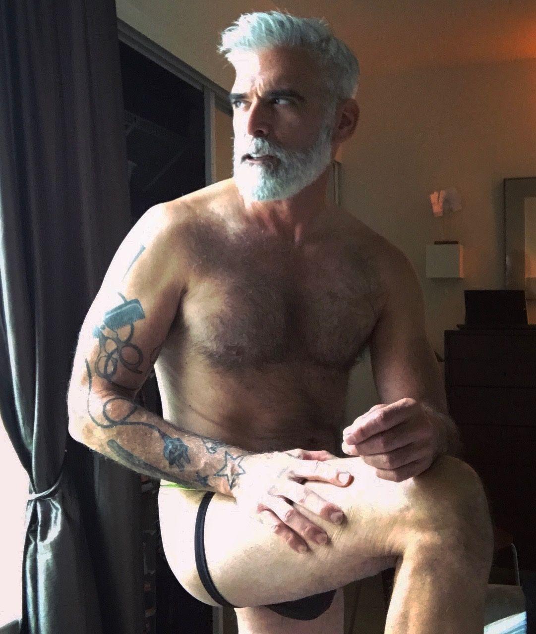 mature-oldermen-daddies-seniors