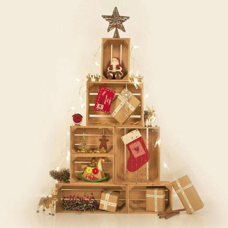 Decorazioni Natalizie In Legno Fai Da Te.Decorazioni Natalizie Fai Da Te In Legno Cassette Di Legno Assemblate Come Un Albero Con Var Albero Natale Fai Da Te Legno Natale Moderno Tradizioni Natalizie
