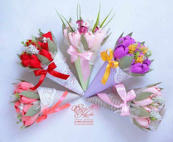 nogti-tsveti-konfetnie-buketi-k-8-marta-roz-rozovih