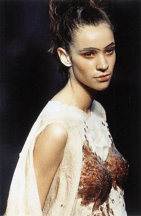 """"""" Alexander McQueen S/S 1994 """"Nihilism"""" """"♛ ♛~✿Ophelia Ryan ✿~♛"""