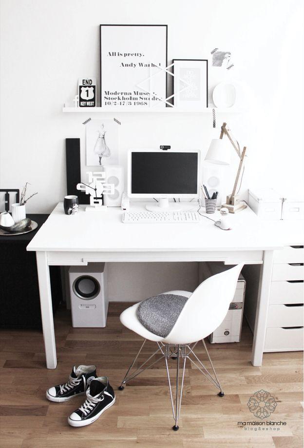 Bureau Noir Et Blanc ! Http://Www.M-Habitat.Fr/Petits-Espaces