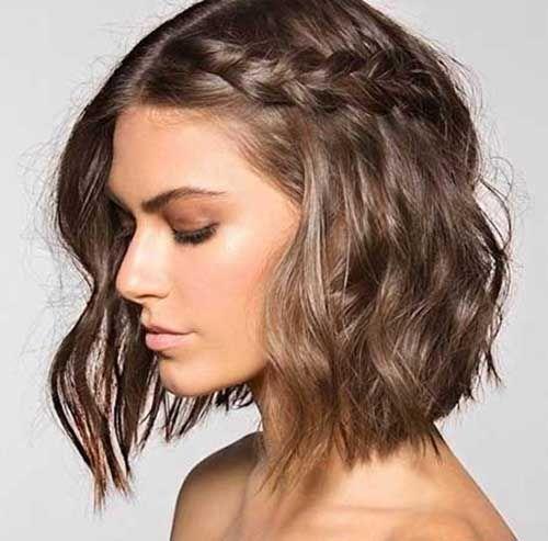 35 Modern And Chic Wavy Hairstyles For Short Hair Frisuren Geflochtene Frisuren Flechtfrisuren