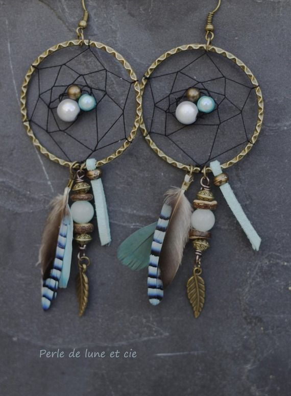 "Dreamcatcher ""Vibhavari""- Perle, plumes et bronze"