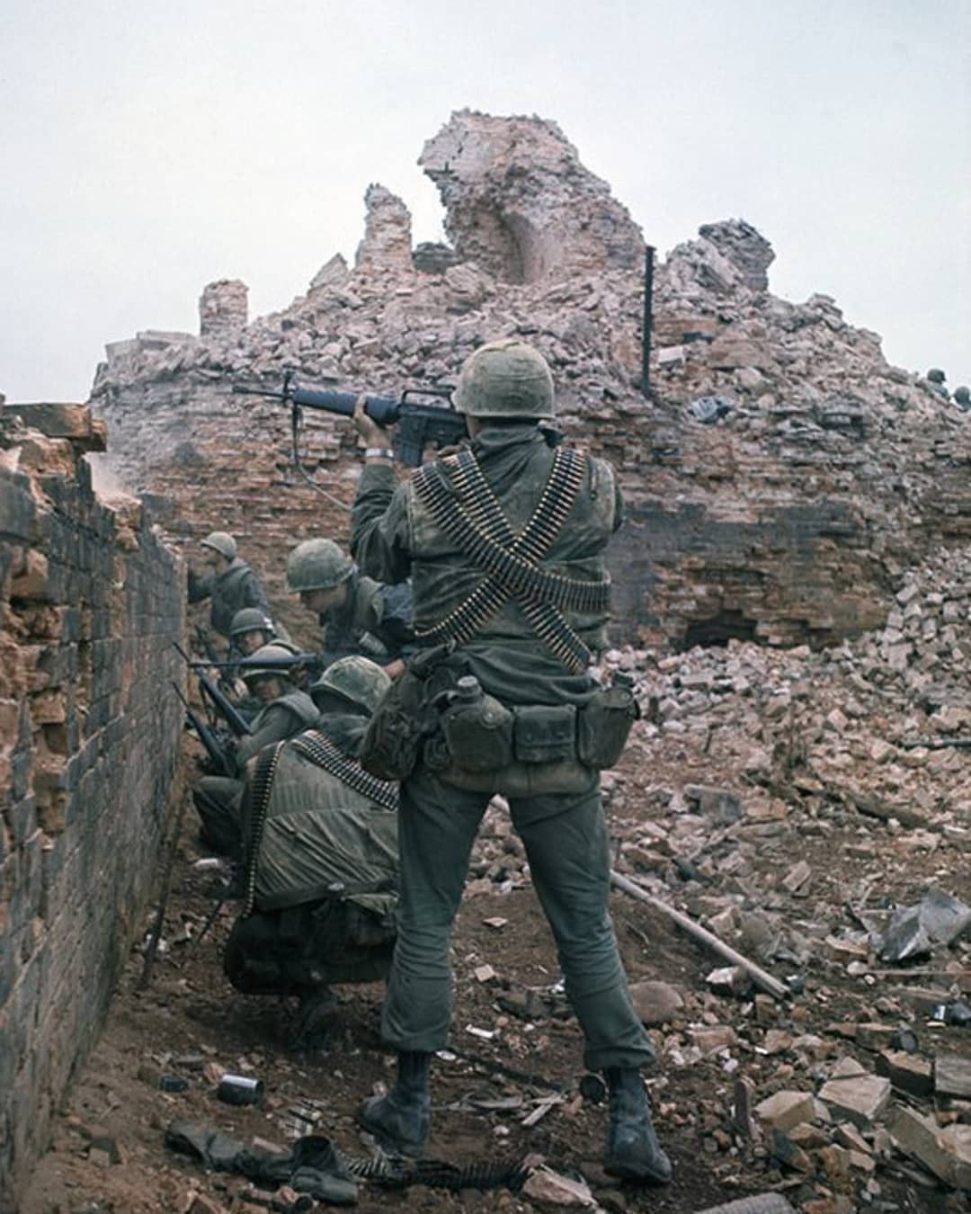 Marines During The Battle Of Hue Tet Offensive Feb