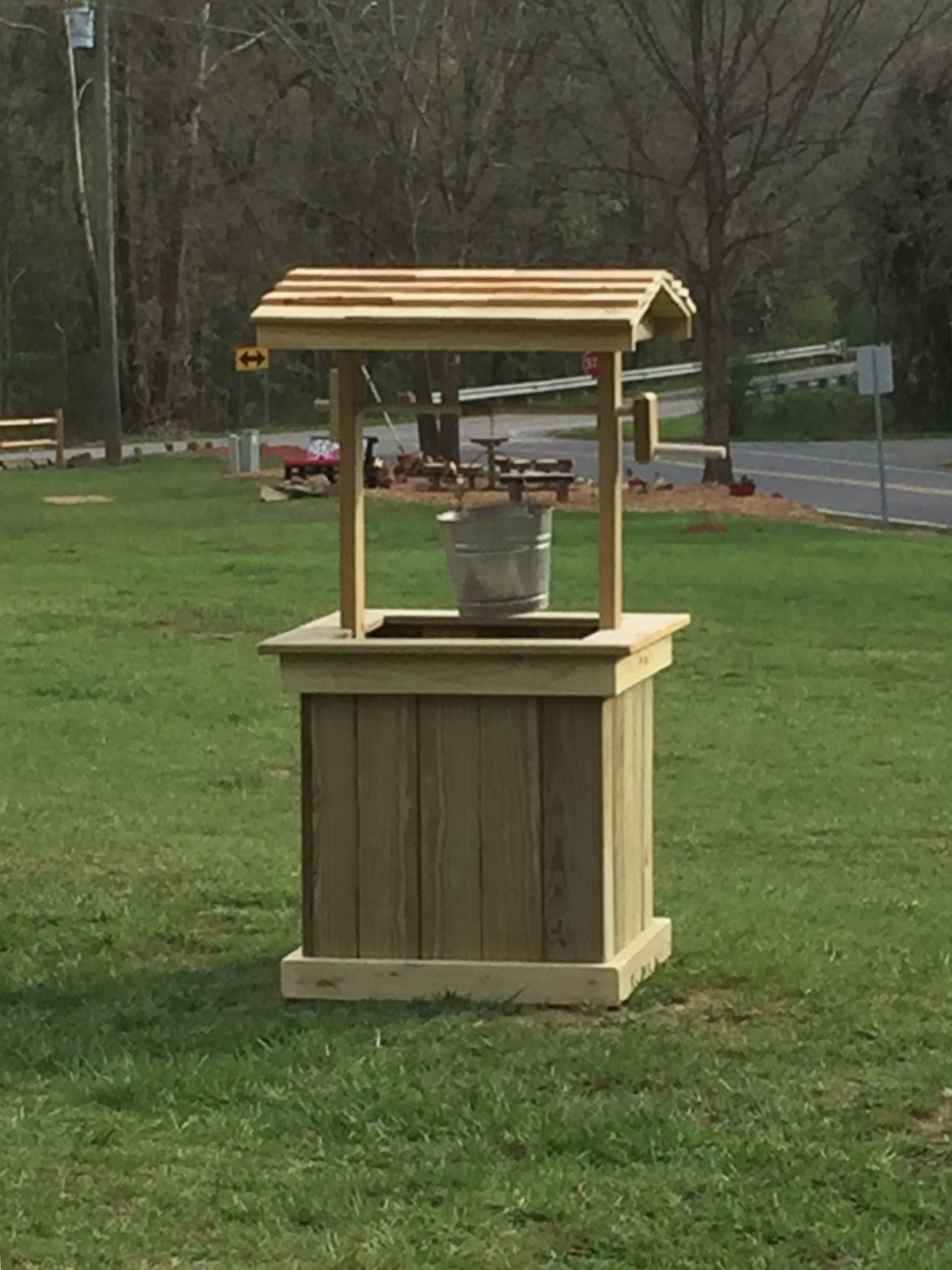 Diy wishing well projects pinterest wood projects outdoor