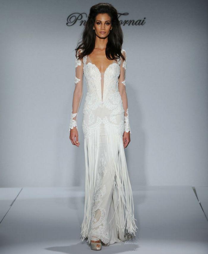 33 Sexy Brautkleider Ideen für künftige Bräute mit Schwung | Weddings