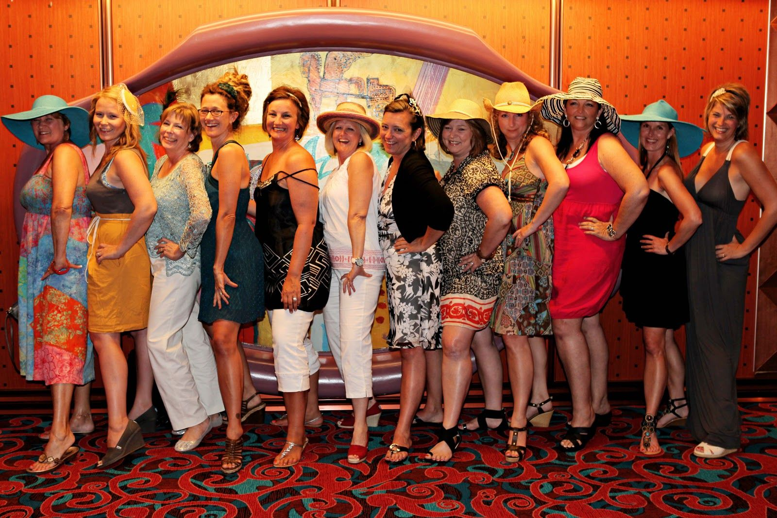 what to wear for cruise party