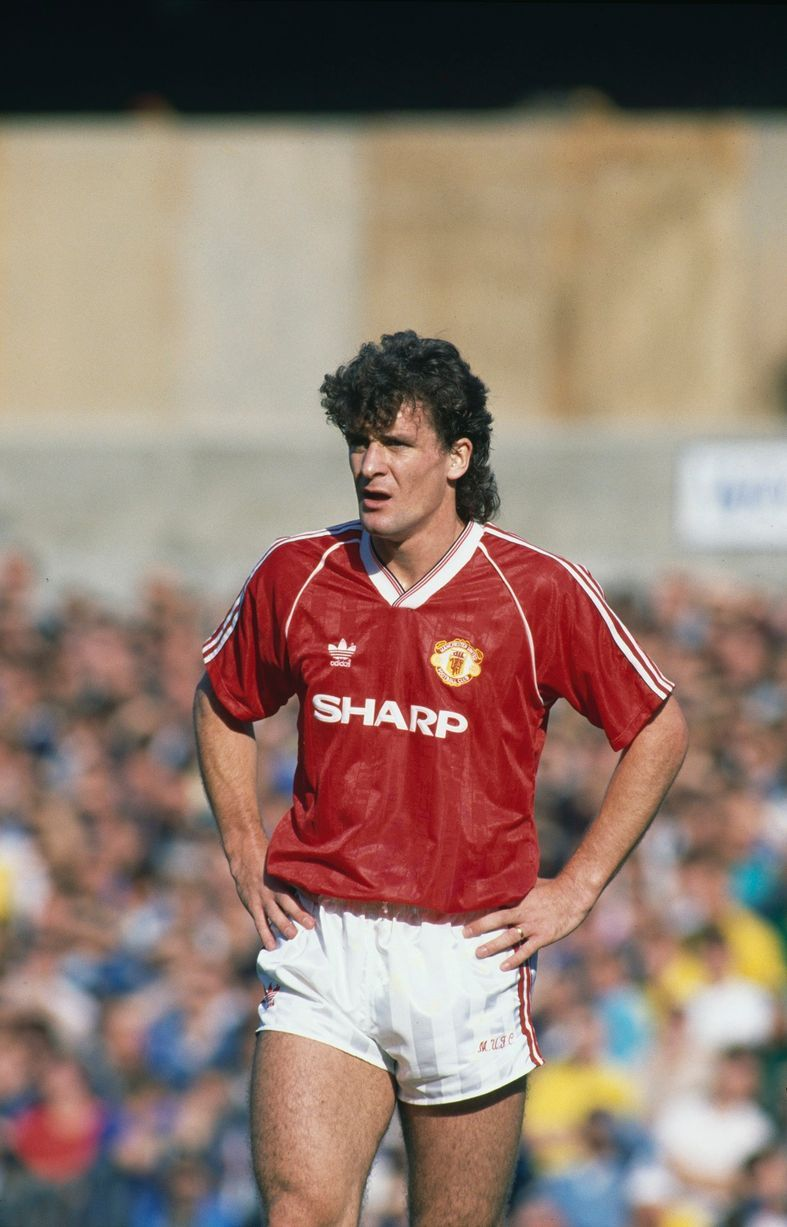 16 pictures of mark hughes manchester united days from
