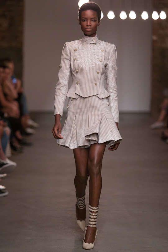 Runway / Zimmermann / New York / Frühjahr 2016 / Kollektionen / Fashion Shows / Vogue