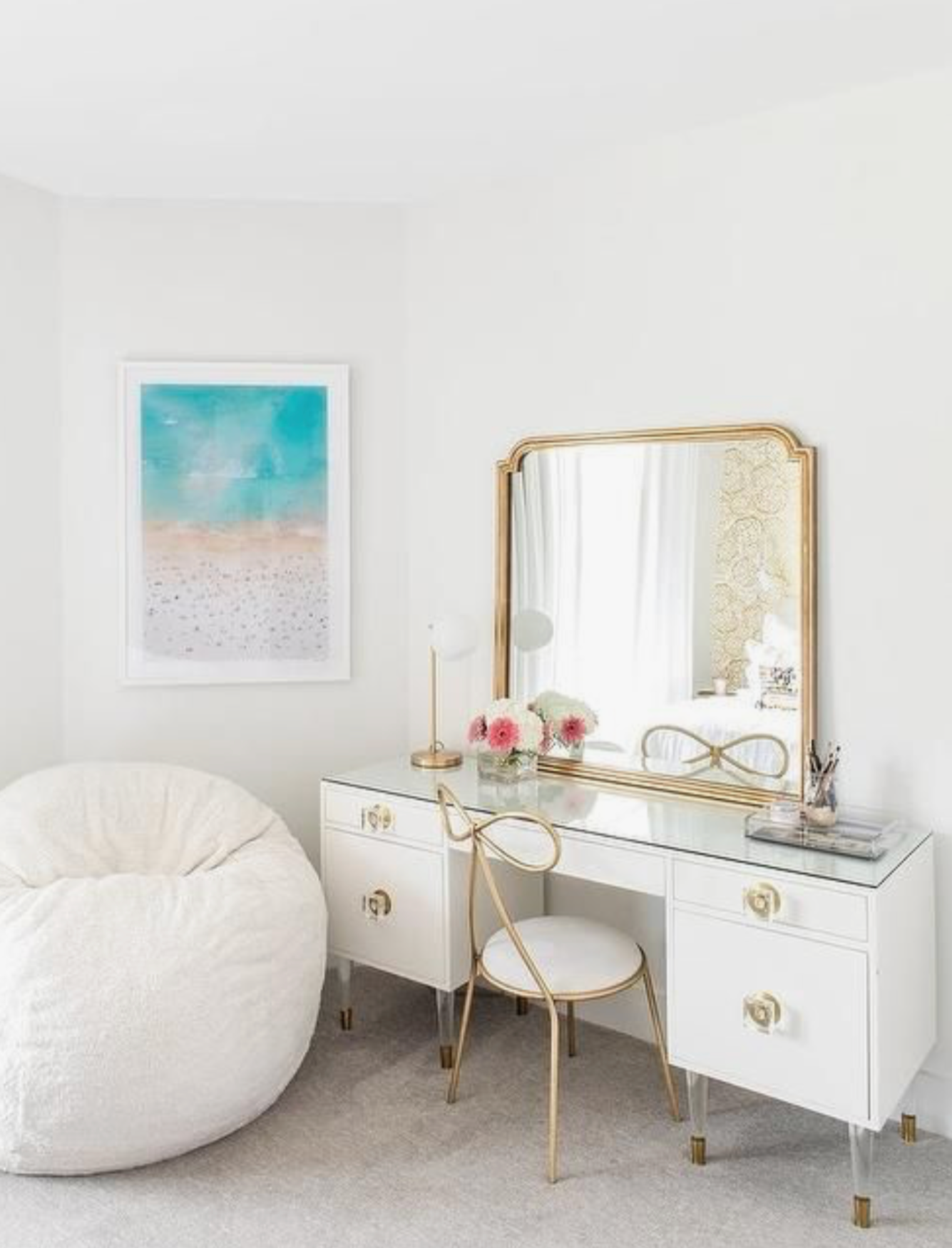 11 Stunning Home Offices With Feminine Desks in 2020 ...