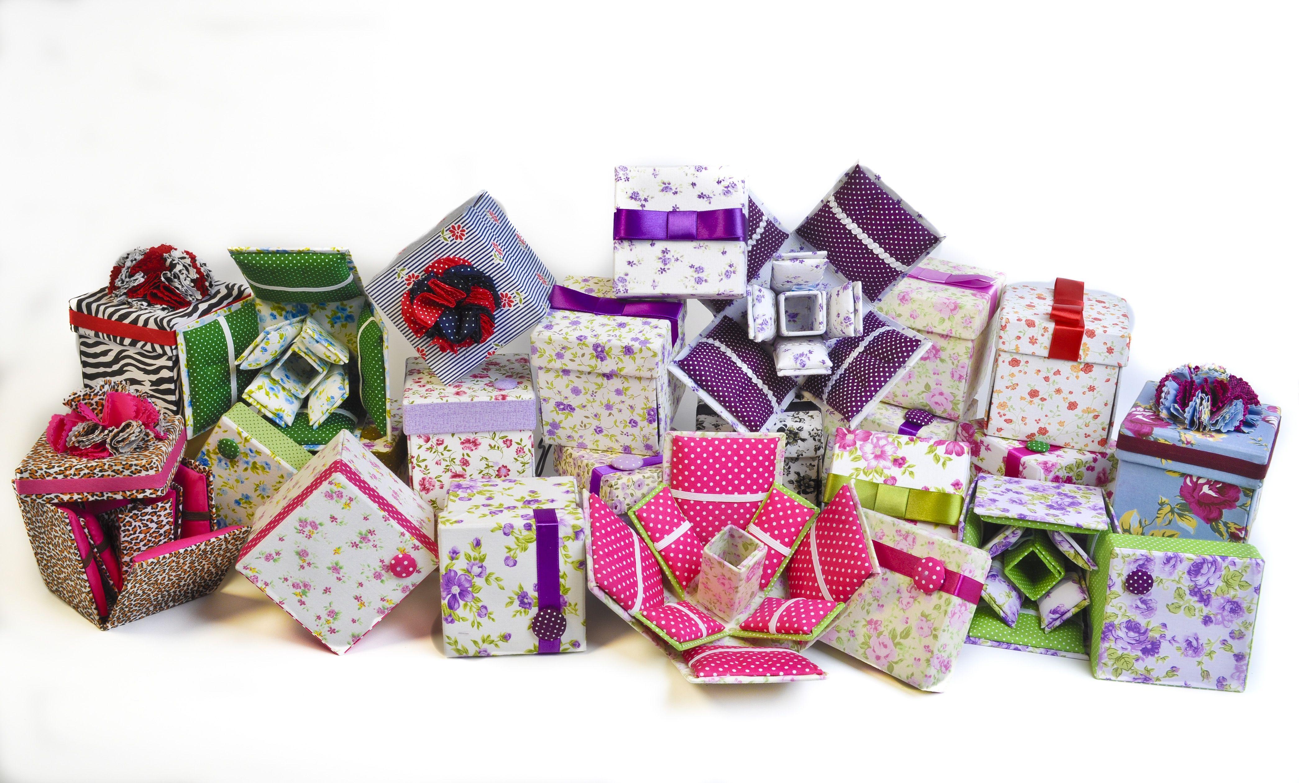 Diversas opções de caixinhas de costura