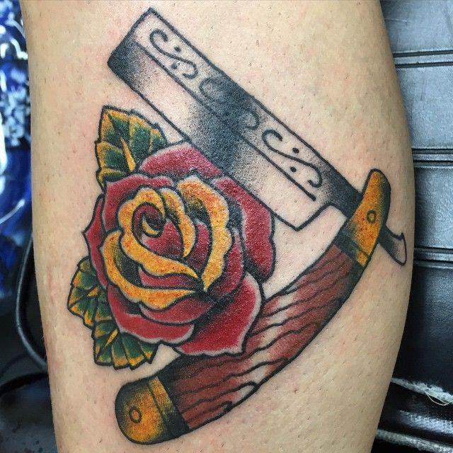 tattoo old school rose szukaj w google tattoo pinterest straight razor tattoo and leg. Black Bedroom Furniture Sets. Home Design Ideas