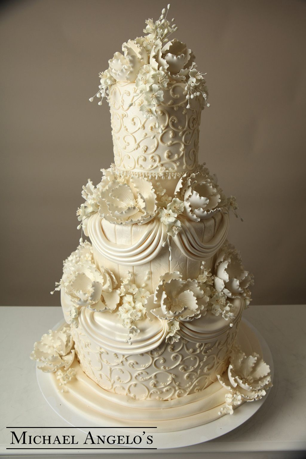 Ivory Swirls 13Luxe in 2020 Cool wedding cakes, Big