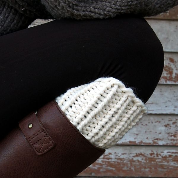 SIMPLICITY : Boot Cuff Knitting Pattern | Knitted boot ...
