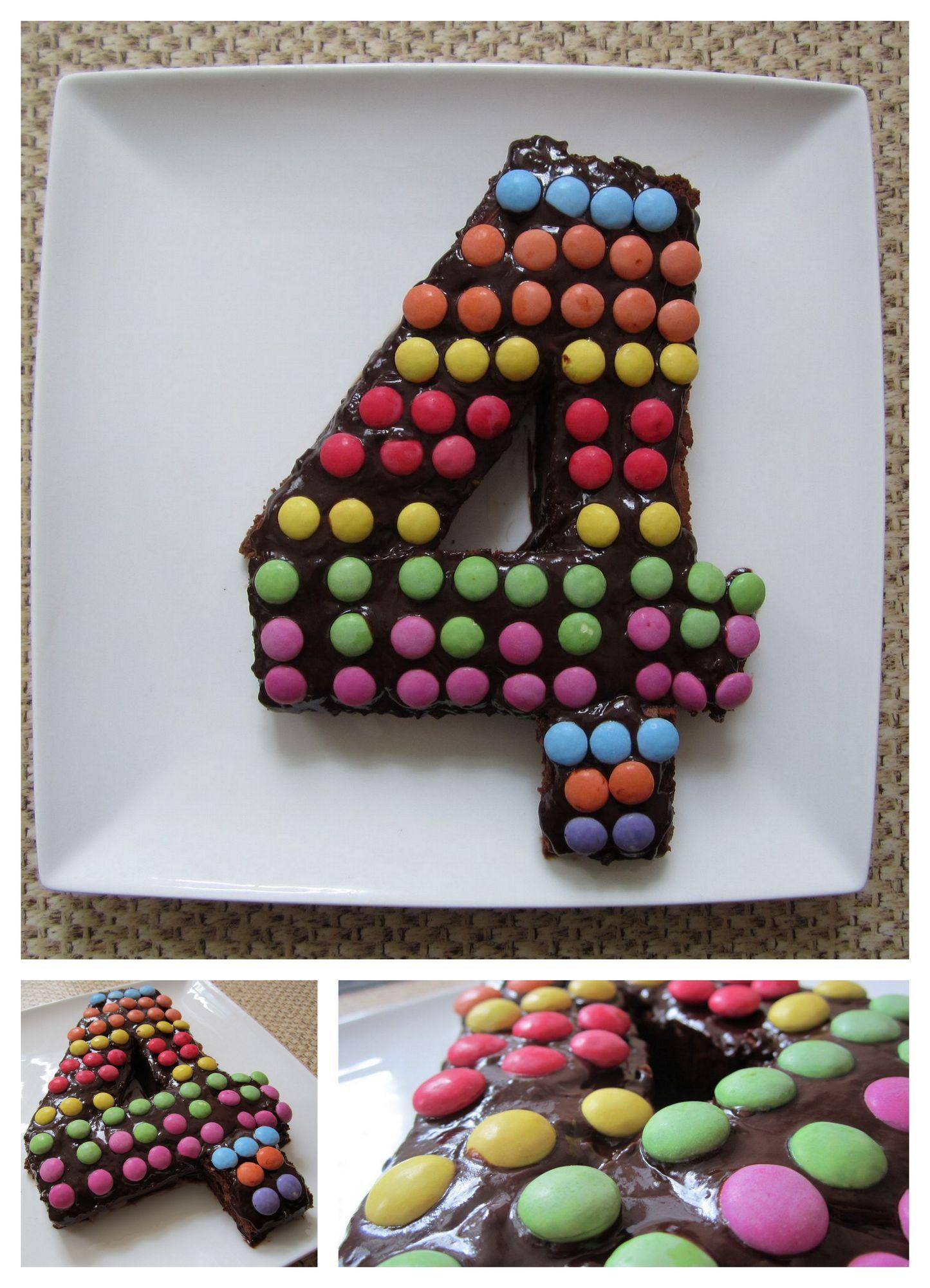 pour l'anniversaire des 4 ans de mon fils : brownie maison recouvert de chocolat et de smarties ...
