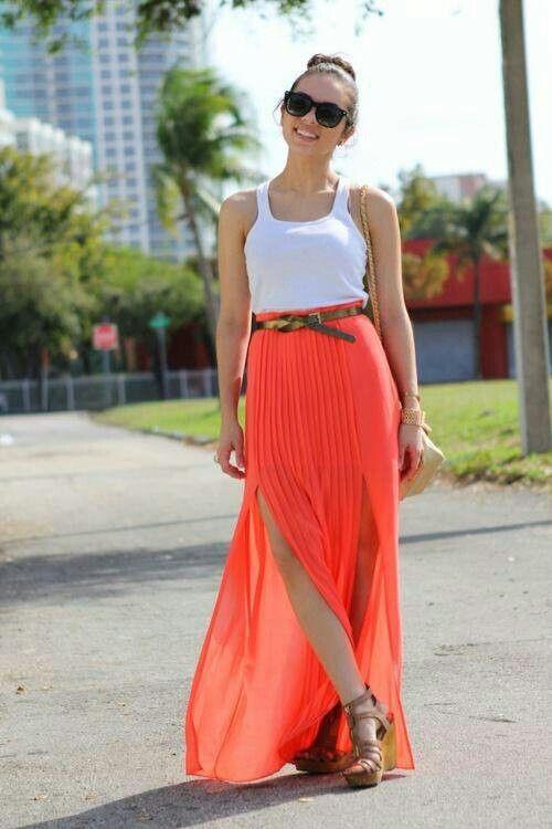 Maxi skirt big sunglasses