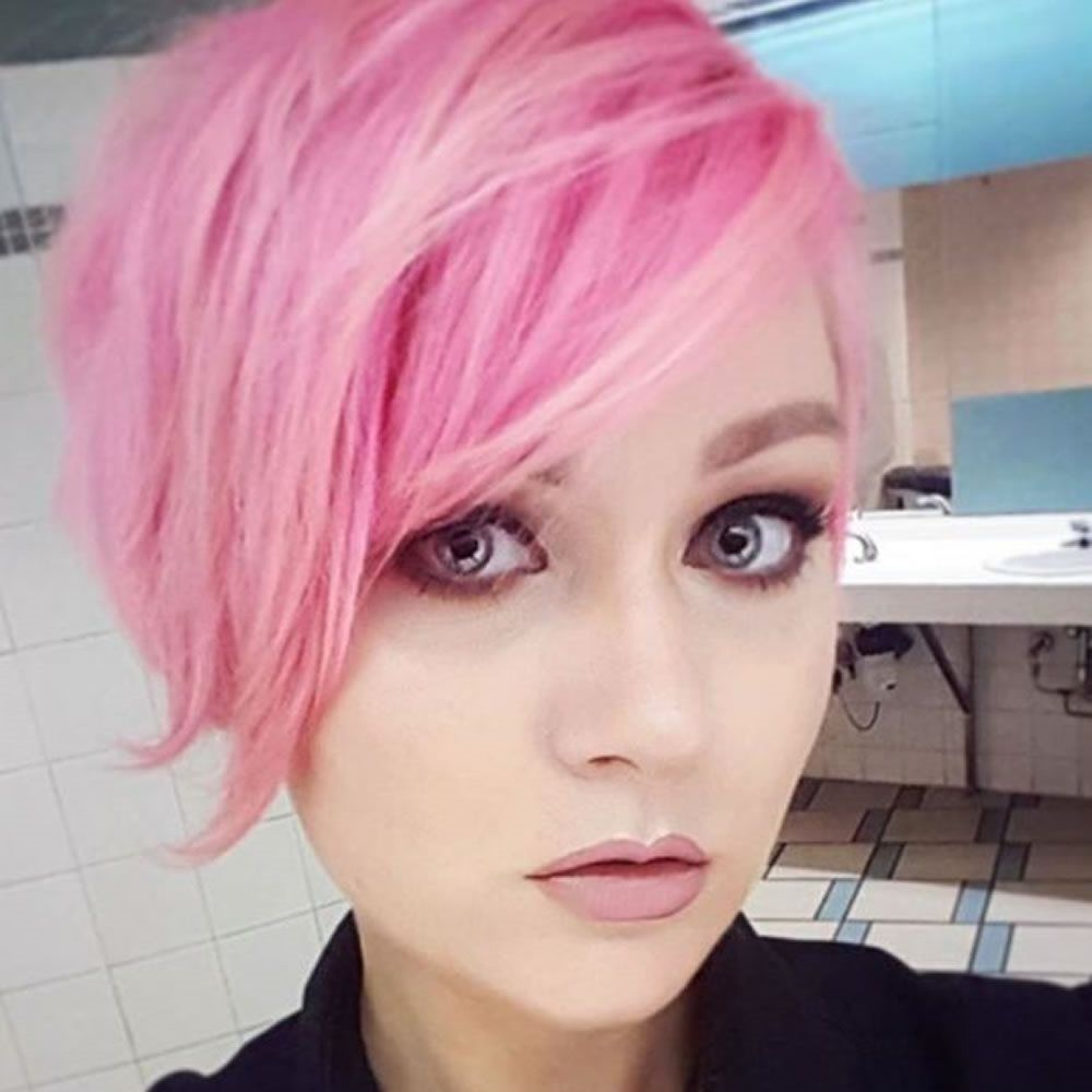 Short hair color styles for stylish girls pretty in pink