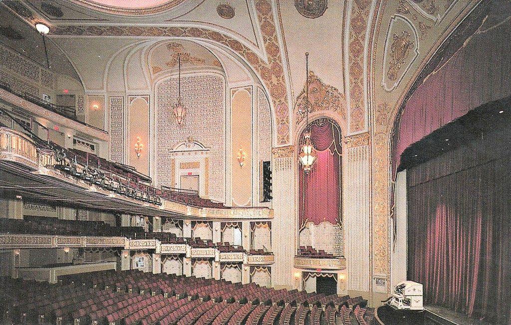 movie theaters in memphis area