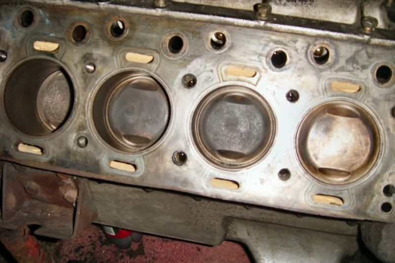 Tiny Daimler Hemi Pistons And Bore 153 Cu In V 8
