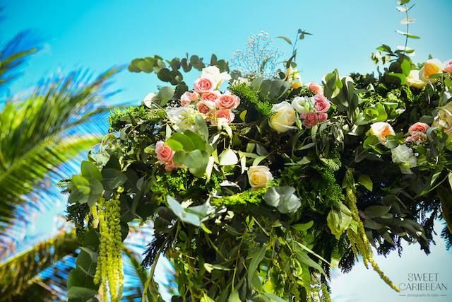 CBG189 Weddings Riviera Maya Greenery foliage full decoration for huppa arch / Gazebo o arco con  decoración verde y rosa