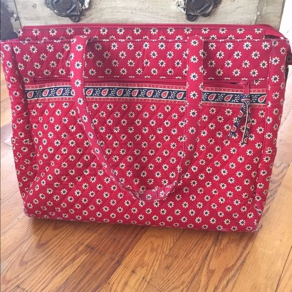Vera Bradley Travel Bag Slightly used with no wear or tear. Has three compartments inside with plenty of space. Will fit a MAC laptop! Vera Bradley Bags Travel Bags