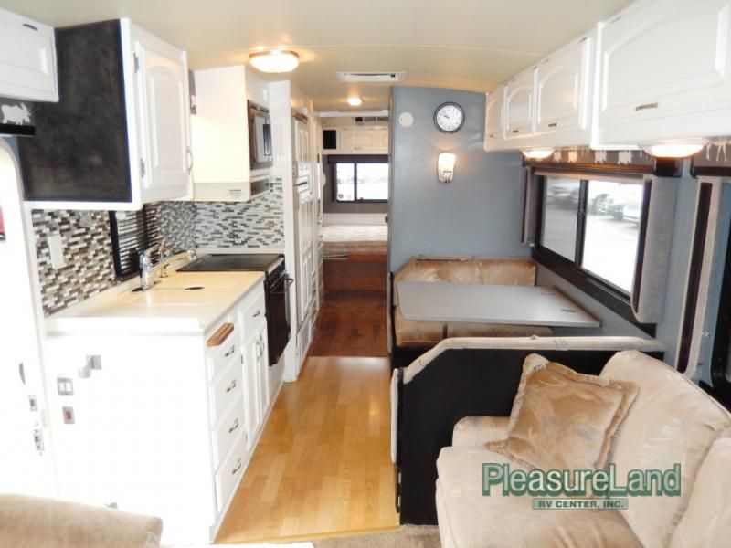 Used 1992 Fleetwood Rv Pace Arrow 33 Motor Home Class A At Pleasureland Rv St Cloud Mn 1402 17b Fleetwood Rv Motorhome Remodel Rv Remodel