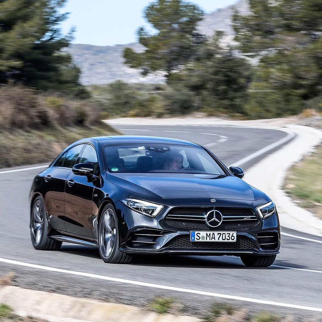 The 2019 Mercedes-AMG CLS 53 Smoothly