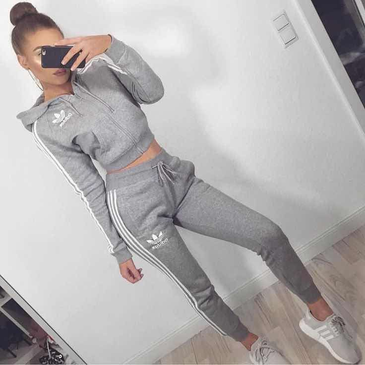 En esta colección de outfits Adidas de mujer podrás ...