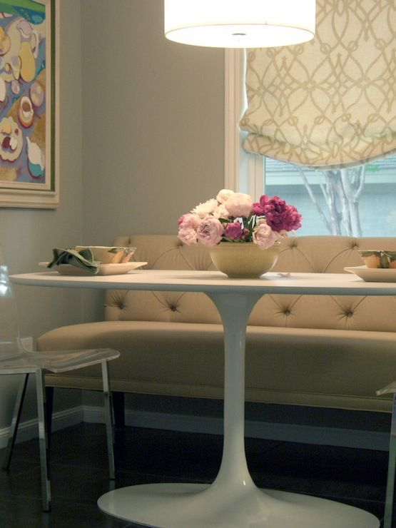 Amazing Terri Symington Pretty Dining Room Design With Marble Saarinen Dining  Table, Tan Tufted Bench,