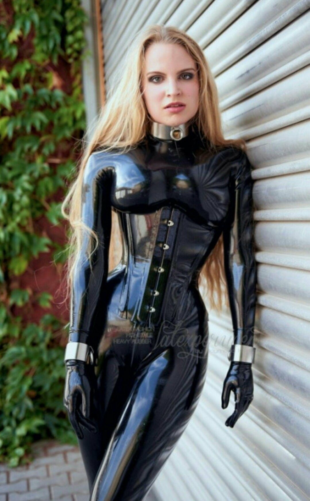 Pin By Robin Chandler On Females Latex Latex Kleid